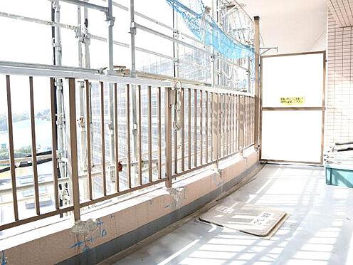 中古マンション-伊東市富戸 ≪バルコニー≫ 当マンションは現在、大規模修繕工事実施中です。
