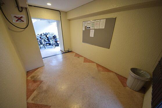 マンション(建物一部)-大阪市東淀川区瑞光2丁目 明るい印象のエントランス