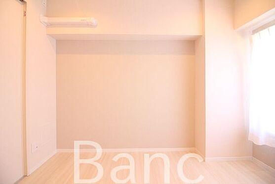 中古マンション-中野区南台5丁目 窓から日差しが差し込む明るいお部屋です。