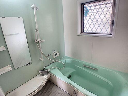 戸建賃貸-西尾市山下町西八幡山 一日の疲れを癒す浴室。グリーンカラーのおしゃれな空間で皆様の優雅なリラックスタイムを♪