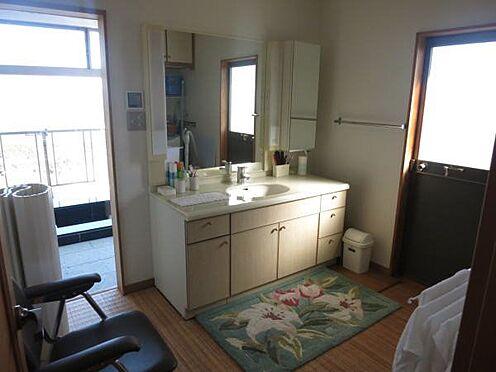中古一戸建て-熱海市上多賀 綺麗に使用されている洗面脱衣室