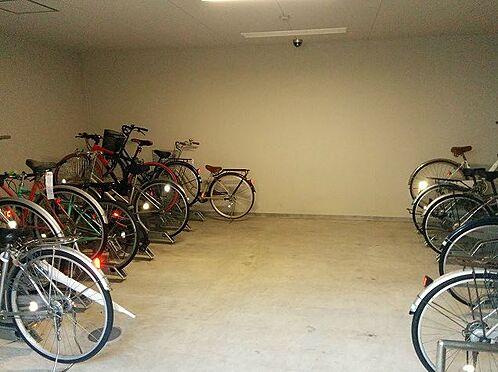 マンション(建物一部)-大阪市此花区西九条3丁目 駐輪場は屋内なので雨の日も安心