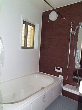 新築一戸建て-名古屋市北区大杉1丁目 ゆとりある浴室で一日の疲れをリフレッシュ。窓付きで換気もバッチリです