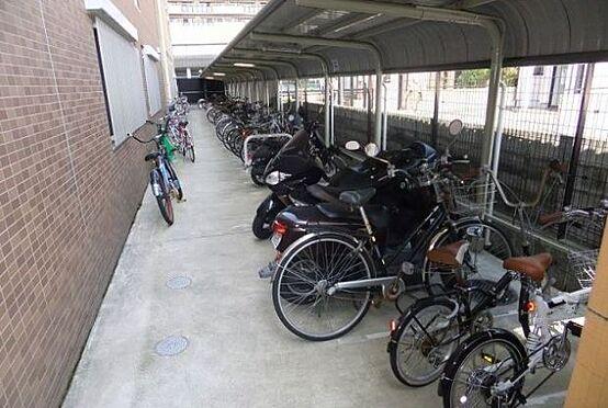 マンション(建物一部)-京都市中京区壬生朱雀町 自転車やバイクも置けるから便利です。