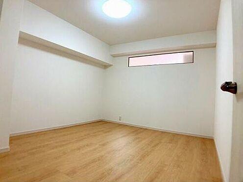区分マンション-久留米市諏訪野町 「洋室7帖」フロアタイル上張り・クロス張替え済です。