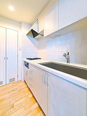 区分マンション-渋谷区恵比寿3丁目 独立したキッチンスペース (CGで作成したリフォームイメージです)