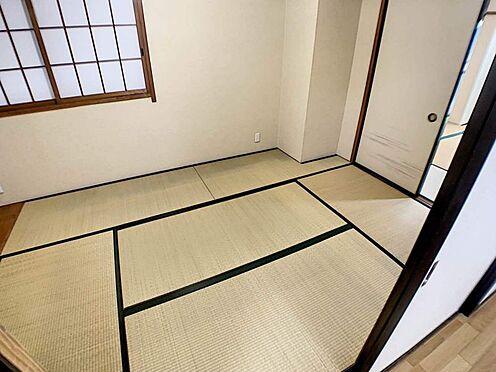 区分マンション-名古屋市中川区五女子1丁目 リビング横に和室のあるタイプの間取りで繋げて利用ができます。