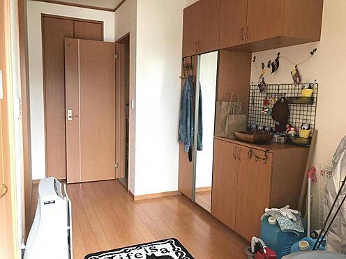 中古一戸建て-西尾市米津町蔵屋敷 収納豊富な玄関です。