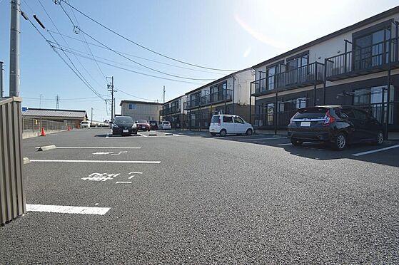 アパート-津市久居野村町 420坪超えの広々敷地で駐車スペース23台確保.