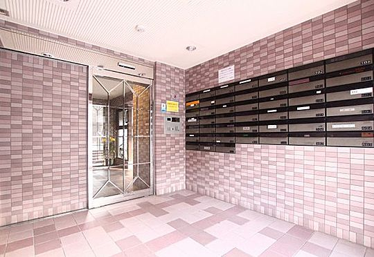 マンション(建物一部)-神戸市垂水区塩屋町9丁目 清潔な印象の共用スペース