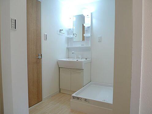 中古マンション-多摩市豊ヶ丘2丁目 シャンプードレッサー付きの洗面台!