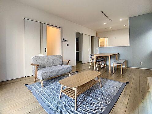 新築一戸建て-豊田市永覚新町1丁目 キッチンからはLDKが見渡せます。子供の様子もばっちり確認できます。