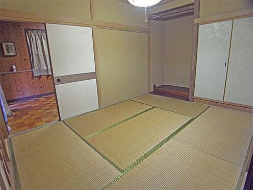 中古一戸建て-伊東市八幡野 ≪1階西側和室≫ 奥の洋室へ行くにはこの和室を通ります