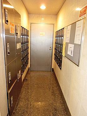 マンション(建物一部)-世田谷区上馬2丁目 集合ポスト・宅配BOXの様子