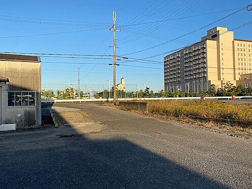 建物一部その他-米原市入江 通路部分から道路側を撮影 その向こう側は琵琶湖