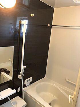 戸建賃貸-八王子市鑓水2丁目 浴室暖房乾燥機能も付いたゆとりある空間です。