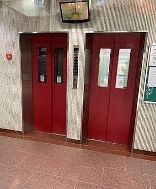 区分マンション-大阪市淀川区西中島2丁目 防犯カメラ搭載の複数エレベーター