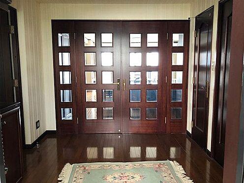 中古マンション-伊東市富戸 とても広い玄関ホールです。