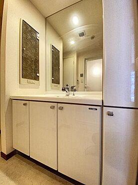 区分マンション-福岡市城南区別府4丁目 収納豊富な洗面台です♪