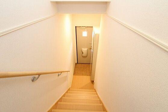 アパート-新発田市中曽根町3丁目 202号室 階段