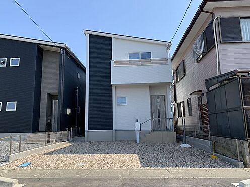 新築一戸建て-西尾市伊藤2丁目 完成時の駐車場は砕石仕上げとなっておりますが、無料でコンクリート打ちをさせて頂きます。