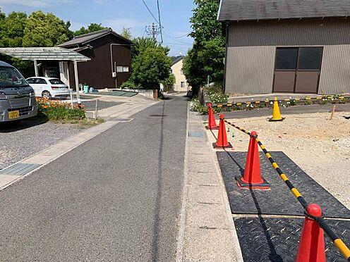 土地-愛知郡東郷町大字春木字市場屋敷 こちらは前面道路になります。