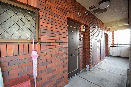 マンション(建物全部)-市川市伊勢宿 風通しの良い広々共用廊下。