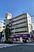 世田谷通りに面した角地に位置し、見栄えのする物件です。1階:店舗、2階以上:住戸35戸、から成るRC造一棟収益物件です。