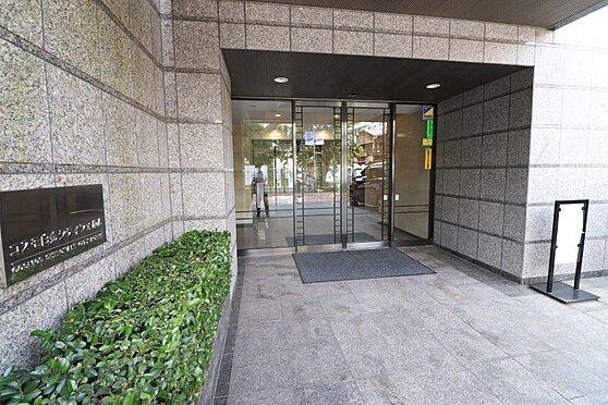 マンション(建物一部)-港区白金3丁目 オートロック・モニター付きインターホンあり。急な来客でも室内から顔が確認できると安心です。