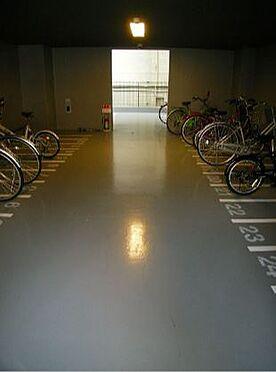 マンション(建物一部)-大阪市中央区上町1丁目 駐輪場もあるので移動が楽々。