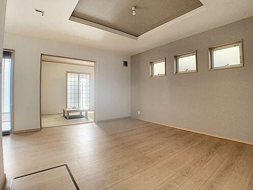 中古一戸建て-名古屋市守山区鳥羽見3丁目 和室でお子様が遊んでいても、キッチンからよく見えるので安心です。