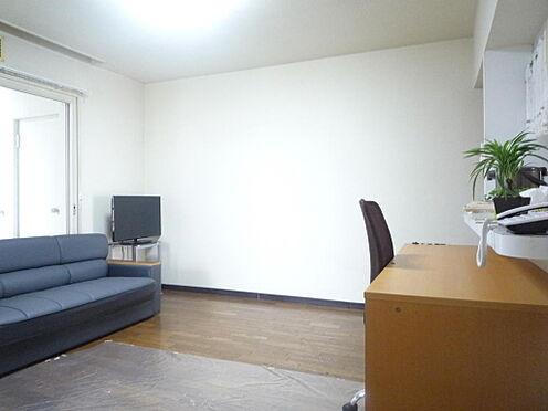 マンション(建物一部)-札幌市白石区南郷通1丁目北 居間9.0帖