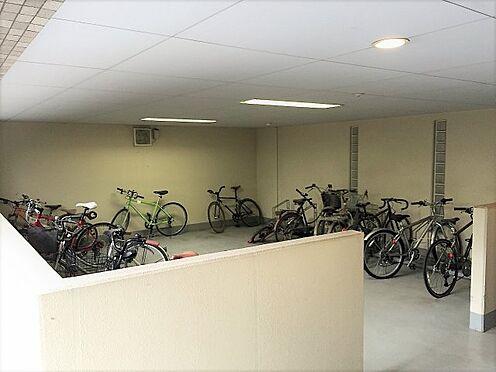 中古マンション-渋谷区東1丁目 敷地内自転車駐輪場