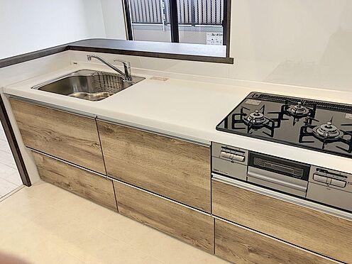 区分マンション-豊田市山之手8丁目 暖かな木目のキッチンです。新品なので気持ちよくお使いいただけます!