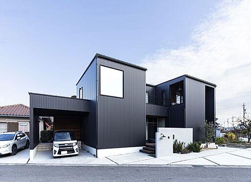 土地-名古屋市中川区春田1丁目 第三者機関により三ツ星工務店に認定されておりますので、品質には自信があります。 ご予算に合わせて最良のデザインと高性能な住宅をご提案させて頂きます。 建物面積:160.64平米、金額:2600万円