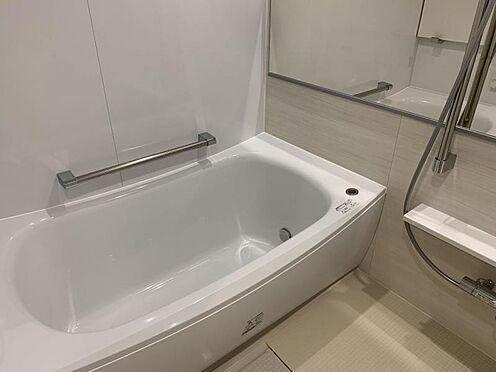 中古マンション-みよし市三好丘5丁目 ゆっくりくつろぎたくなる浴室です。半身浴やボディケアなど、ひとりの時間もお楽しみください。