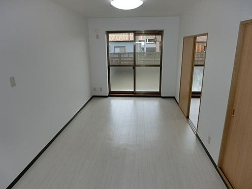 マンション(建物全部)-美濃加茂市田島町1丁目 居間