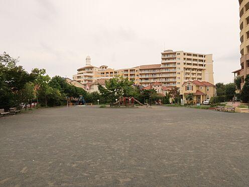 中古マンション-横浜市瀬谷区五貫目町 子どもたちの遊び場として利用できる五貫目町公園(徒歩1分・約80m)