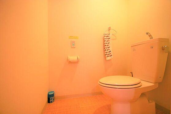 中古マンション-足柄下郡湯河原町宮上 トイレ:フォレストの特徴として、このように広々とした空間となります。