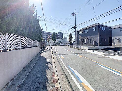 新築一戸建て-名古屋市名東区赤松台 道幅の広い前面道路