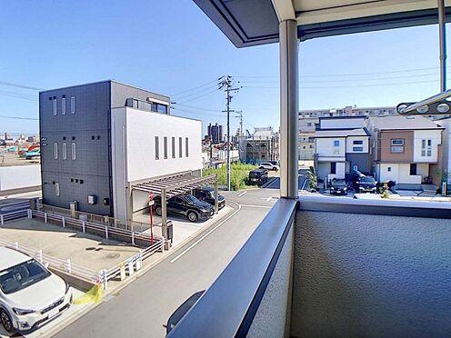 戸建賃貸-名古屋市中村区岩塚町 閑静な住宅街に位置しており、屋根付きの南東側バルコニーでは雨の日も洗濯可能です!