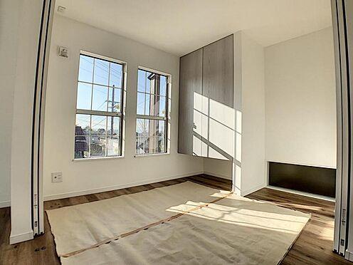 新築一戸建て-名古屋市守山区小幡北 リビング横のお部屋はお子様のお部屋としても最適♪