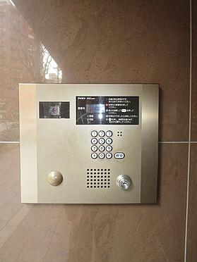 マンション(建物一部)-大阪市中央区内本町1丁目 オートロックの他、カメラやTVドアホンがあり、防犯性にも配慮されています。