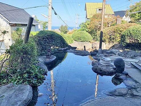 中古一戸建て-伊東市富戸 温泉露天風呂 優雅な気分にしたれるお風呂です。是非、ご入浴を経験してみてください。