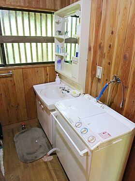 中古一戸建て-北佐久郡軽井沢町大字長倉 洗面台も清潔感ありますね。
