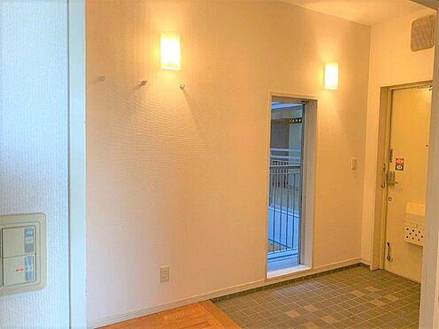 区分マンション-八王子市別所1丁目 ゆったりとした玄関ホール。