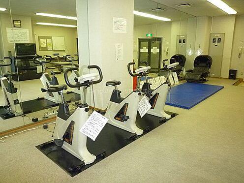 中古マンション-横浜市神奈川区栄町 トレーニングルーム(2階)6か月間:3,000円でご利用できます。シャワールーム完備