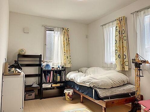 戸建賃貸-知多郡東浦町大字石浜字南ヶ丘 全居室6帖以上の広々とした洋室です