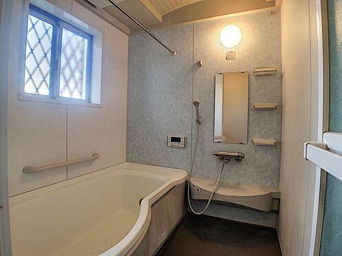 戸建賃貸-西尾市横手町溝東 窓付きの明るい浴室
