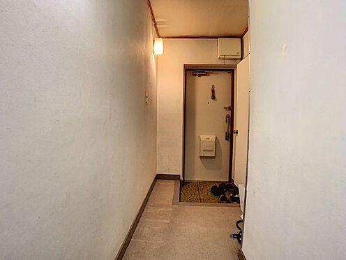 中古マンション-豊田市保見ケ丘6丁目 玄関周りはスッキリさせたい場所の一つです。大容量の収納を設置したいですね!